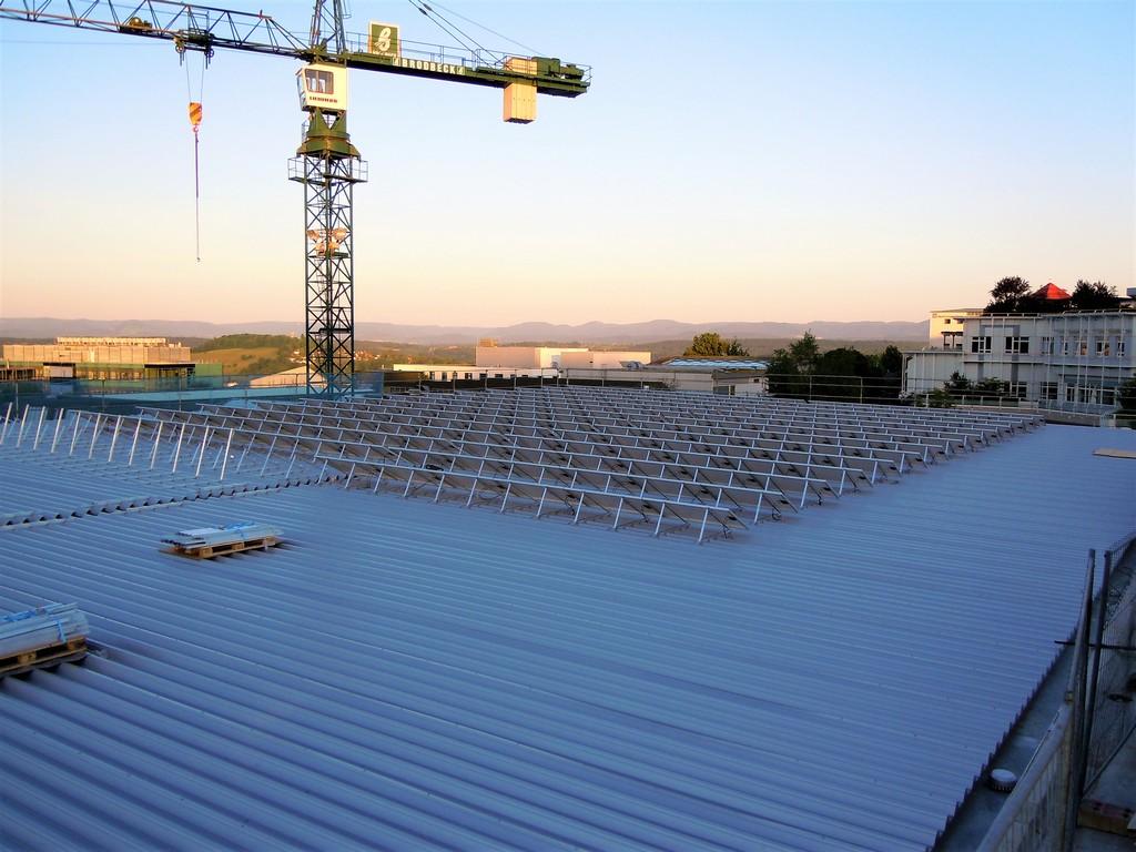 Crane und Solar roof